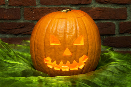 carving pumpkin: talla de la calabaza