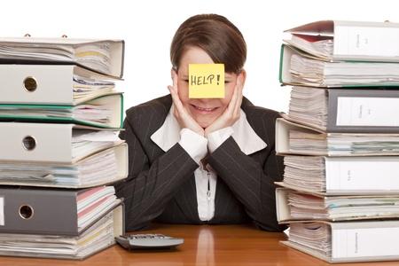 donna d'affari in ufficio ist desperated e piange. Isolato su sfondo bianco. Archivio Fotografico