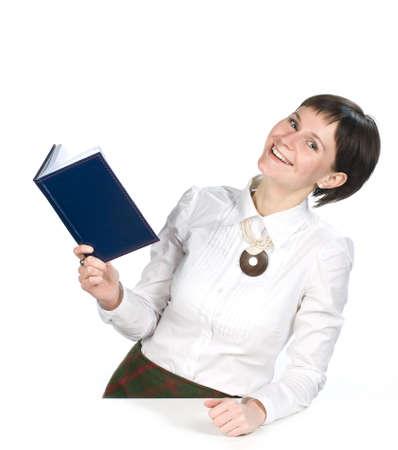 Junge Frauen mit Buch auf wei�em Hintergrund