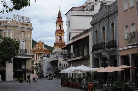 アルゼンチンのアンデス山脈のサルタの植民地町