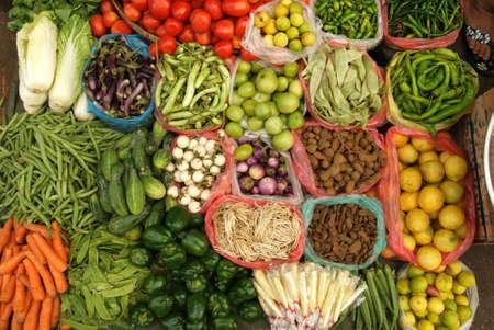 birma: groente op de markt in Yangon hoofdstad van Birma