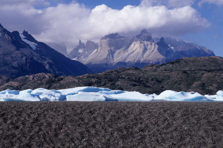 pain�: Torres del Paine National Park