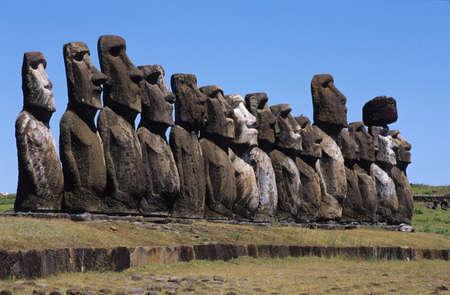 moai: Moai de Isla de Pascua Foto de archivo