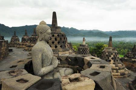 Il sito archeologico di Borobudur, sull'isola di Giava