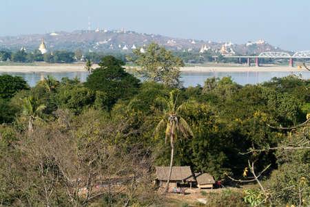 shin: View to Sagaing hill and Soon U Ponya Shin pagoda on Myanmar Stock Photo