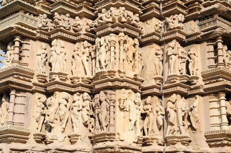 khajuraho: Detalle de la obra en el templo de Khajuraho en la India
