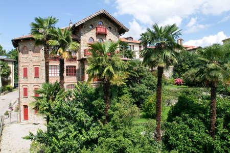 collina: House at the village of Montagnola on the italian part of Switzerland Stock Photo