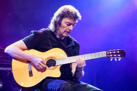 estival: Lugano, Switzerland - 4 July 2009: concert of guitarist Steve Hackett, former member of Genesis, during Estival Jazz in Lugano, Switzerland Editoriali