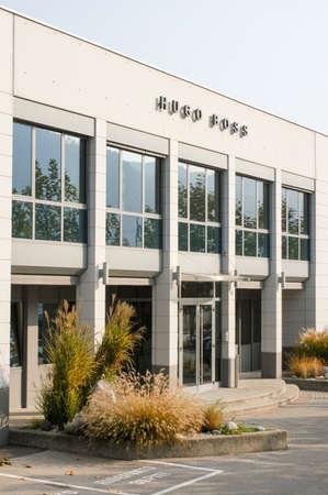 hugo: Coldrerio, Switzerland - 6 november 2002: building of Hugo Boss industry at Coldrerio on the italian part of Switzerland