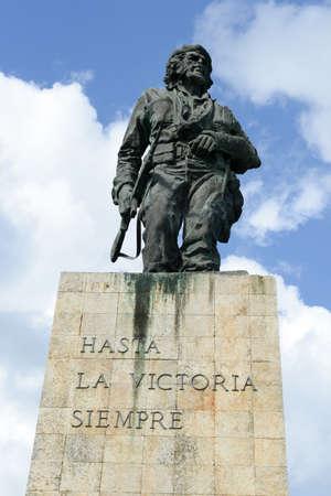 guerilla: Che Guevara statue and the mausoleum in Revolution Square at Santa Clara on Cuba