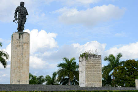 guerilla: Che Guevara statue and the mausoleum in Revolution Square at Santa Clara on Cuba