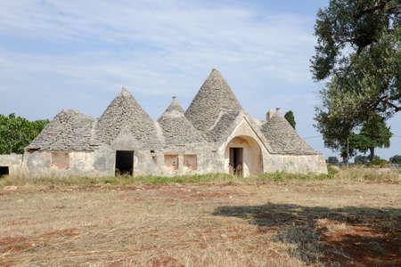 puglia: Traditional Trulli house on Puglia, Italy