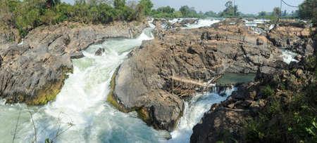 tat: The Mekong river at Don Khon island on Laos