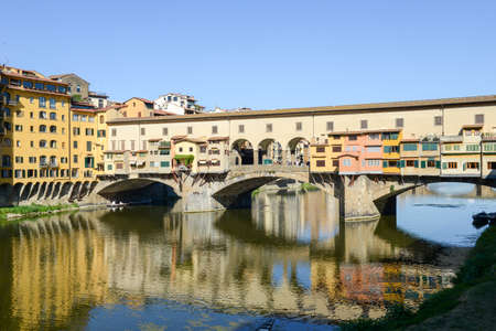 river arno: Firenze, Italy - 6 July 2017: Famous bridge of Ponte Vecchio in Florence on Italy. Editorial