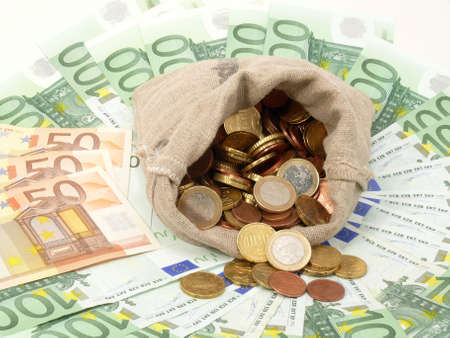 seem: currency of the European states