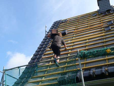 Dach-Sanierung Standard-Bild - 5231442