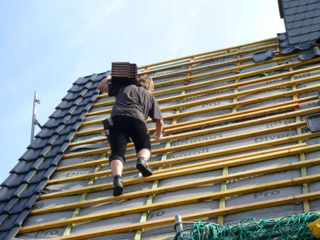 Dachsanierung Standard-Bild - 5231444