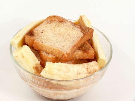 biscotte: biscottes, de la banane et du lait