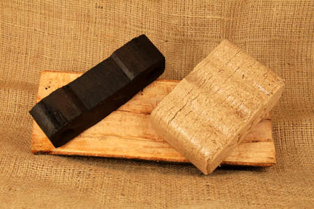 holzbriketts: Feste Brennstoffe Braunkohle