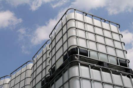 tonne: water barrel