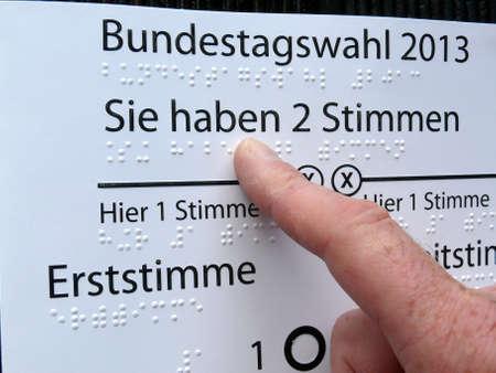 braille typ, handicapped vote photo