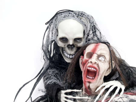 amok: Śmierć staje się sama zombie
