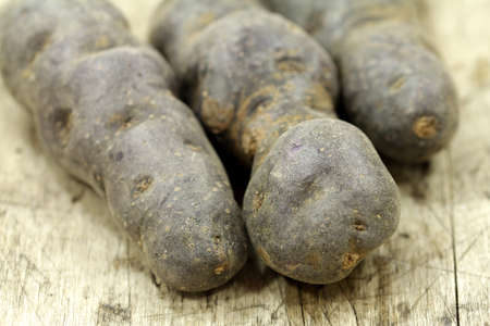 chine: violet potatoes
