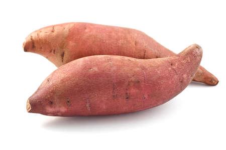 картофель: Сладкий картофель на белом фоне