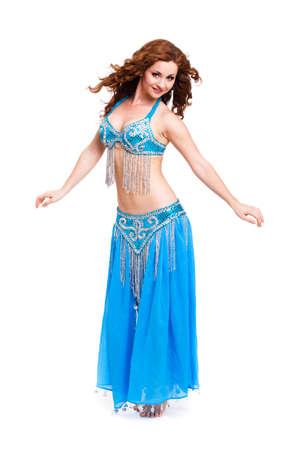 danseuse orientale: attractif danseuse du ventre sur fond isolé