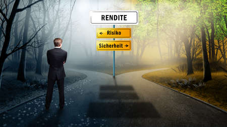 risiko: businessman standing on a crossroad having to decide the path towards return on investment and having the options between risk and safety (in German)