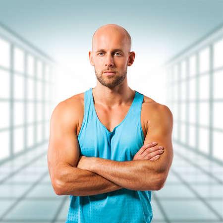 hombres sin camisa: entrenador personal