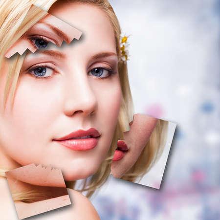 attraente donna bionda con sovrapposizioni mostrando prima e dopo il trucco