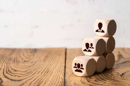 organization and team structure symbolized with cubes Stockfoto