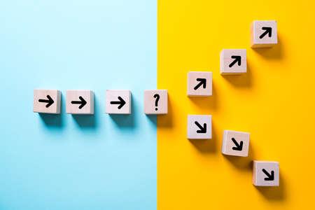 Pfad führt zu einer Entscheidung, die den Pfad in zwei Richtungen ändert