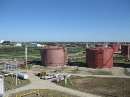 Tank the vertical steel. Capacities for storage of oil, gasoline, kerosene, the diesel and other liquids.