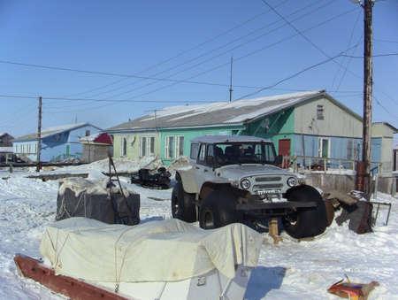 esquimales: YAMAL, SYO-Yaha - 15 de enero de 2015: Aspecto de la soluci�n de Syo-Yakh en el invierno. Al norte de Rusia.