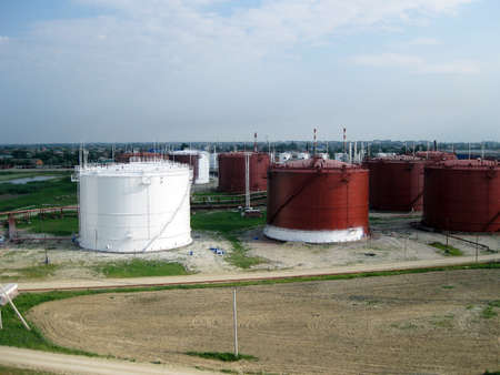 viscosity: Tank the vertical steel. Capacities for storage of oil, gasoline, kerosene, the diesel and other liquids.