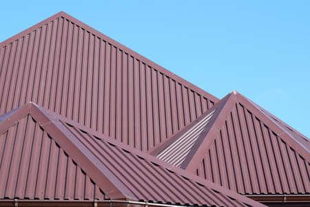 chapas de tejado. Los tipos modernos de materiales para techos.