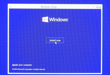 러시아, Poltavskaya 마을 -2010 년 8 월 13 일 : Windows 설정 화면. 컴퓨터에 운영 체제 설치. 에디토리얼