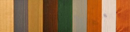 muebles de madera: Aplicación de barniz protector sobre un mueble de madera