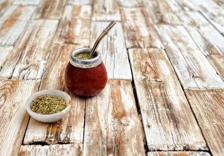 tabel: calabash on wooden tabel