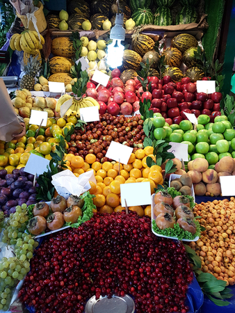 Greengrocer Fresh and healthy fruit and vegetables Stockfoto - 121216897