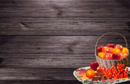 rowanberry: Apple Basket and berries of rowanberry