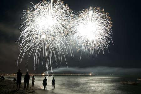 tűzijáték: tűzijáték strand Forte dei Marmi Olaszország