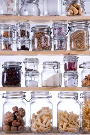 dobr�: Malé Spíž v domácnosti, obsahujícího nezbytné vařit