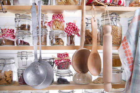 leguminosas: Peque�o Despensa del ama de casa, un contenido necesario para cocinar