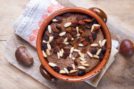 Typical of traditional Tuscan Italian cake made with chestnut flour Standard-Bild