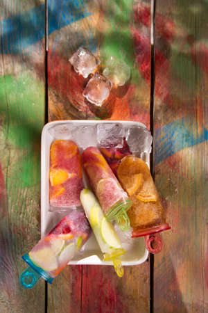 cool off: Cool off in summer with a break at the base of icicles citrus Stock Photo