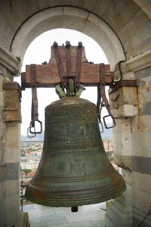 トスカーナ、ピサの斜塔、イタリアの古い鐘