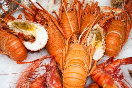 luxus: lobster on ice